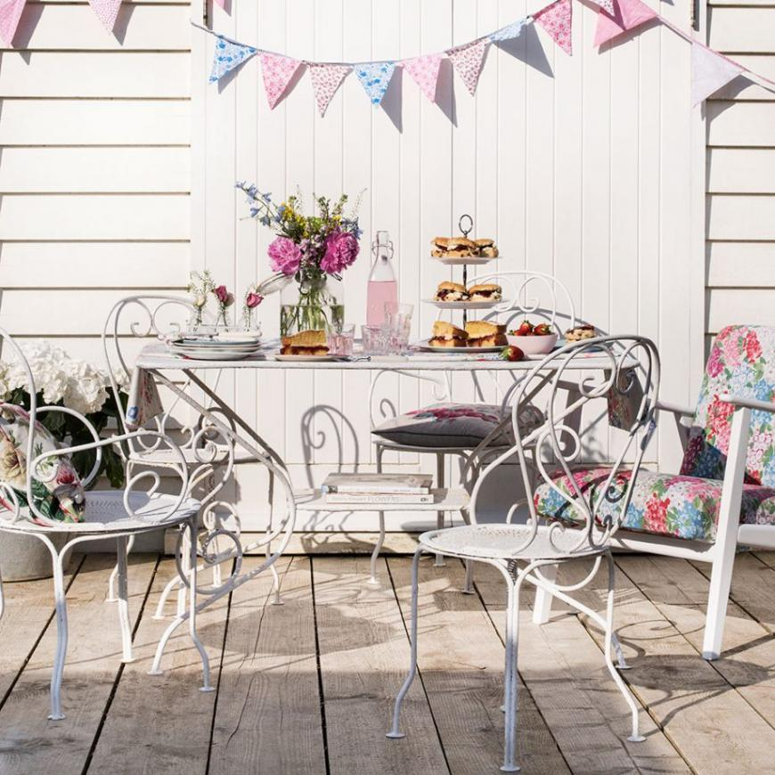Step by step instructions to clean and reestablish garden furniture